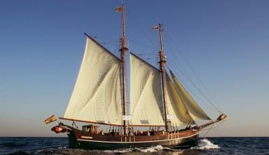 Tall Ship Far Barcelona