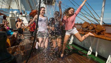 trainees-statsraad-lehmkuhl-trainees-adventure-travel-windseeker