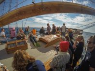 Watch learning sailing Vega Gamleby - Windseeker