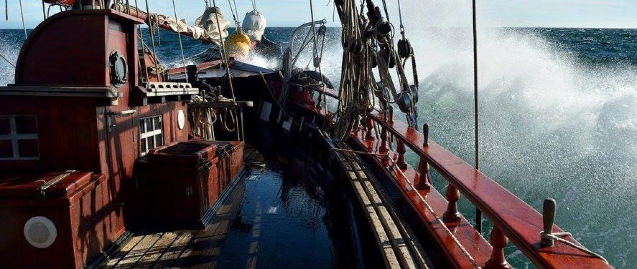 Atyla sailing ocean Windseeker