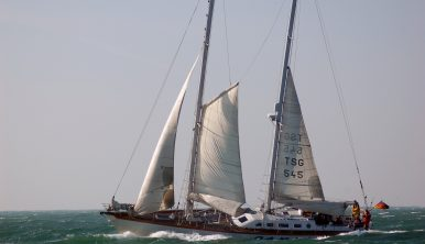 Sailing Vessel Esprit under sails