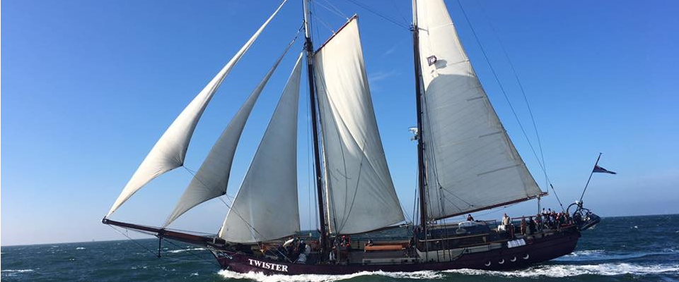 Picture of the ship Twister under sails