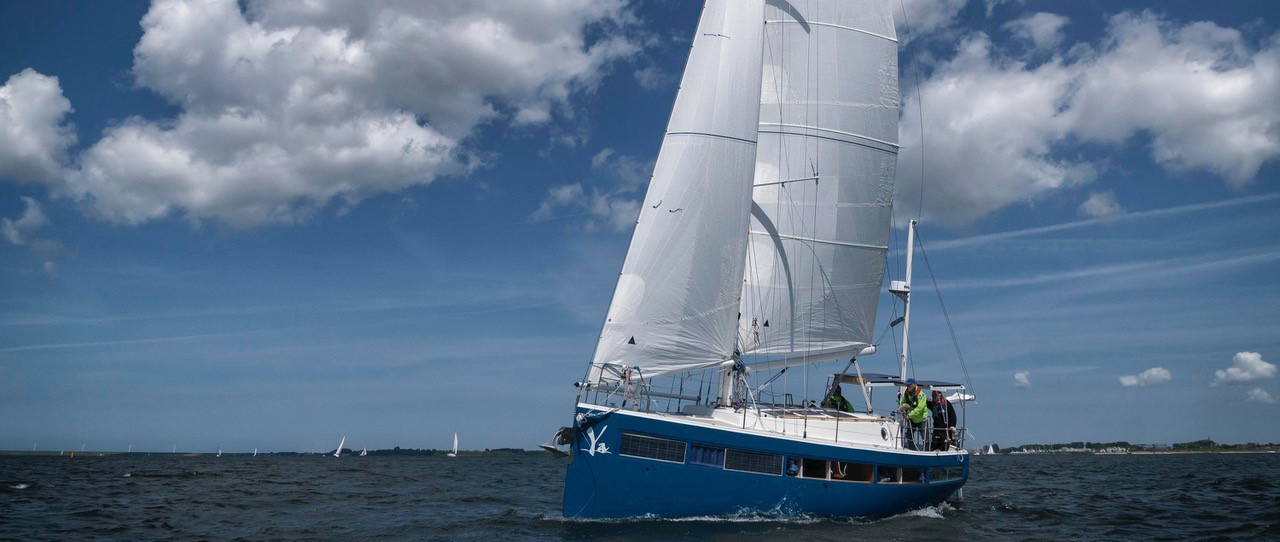 Picture of Yacht Ya under sails